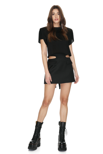 Black Mini Top With Oversized Shoulders - PNK Casual